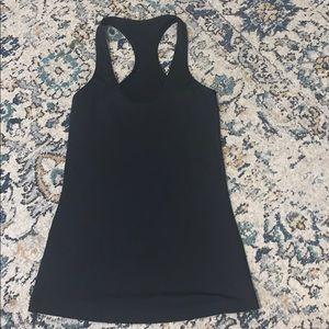 black lululemon tank top